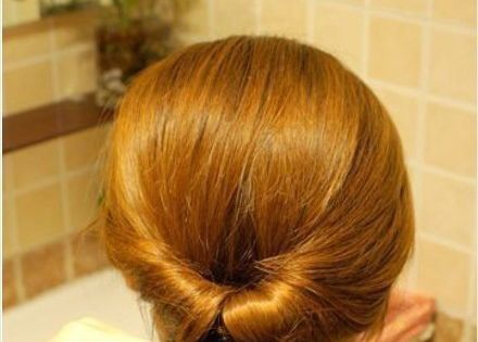 Easy DIY pony tail / simple updo for long hair.