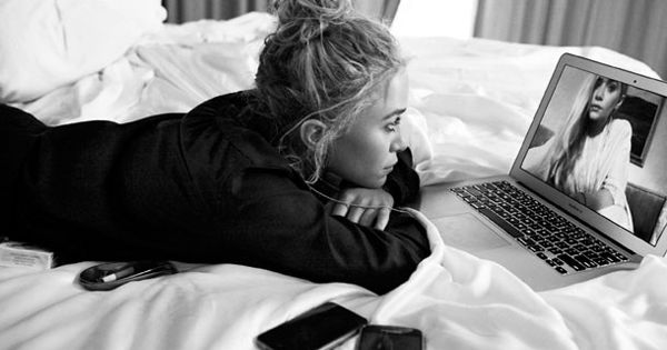 MKA MARY KATE ASHLEY OLSEN STYLE FASHION BLOG ON SKYPE 2012 CFDA