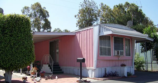 1950s 60s mobile home wpould be cute with a big porch for Big cute houses