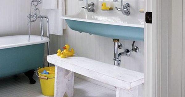 Pinterest les enfants investissent la salle de bains for Mini lavabo salle de bain