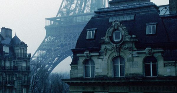 Want an apartment view of Eiffel Tower