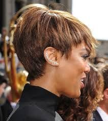 Resultado De Imagen Para Tyra Banks Short Hairstyle Korotkie Strizhki Pricheski Modnye Korotkie Strizhki