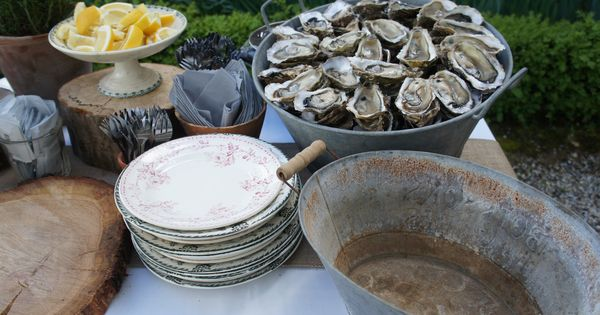 Oysters buffet oyster bbq party pinterest oysters for Buy canape shells