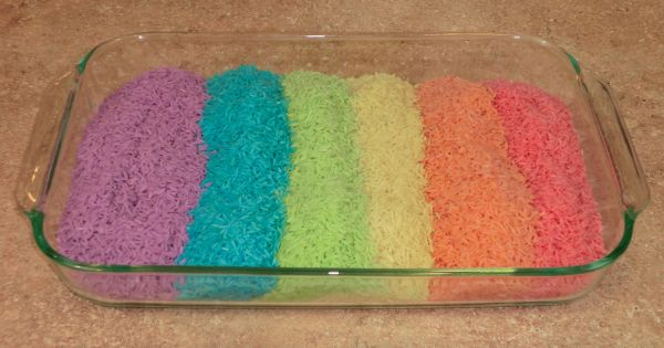 This is a guide about making colored play rice. Rice + 5
