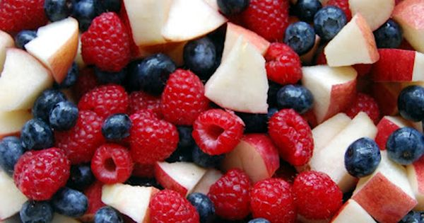 fourth of july: Red, White and Blue Patriotic Fruit Salad- with secret