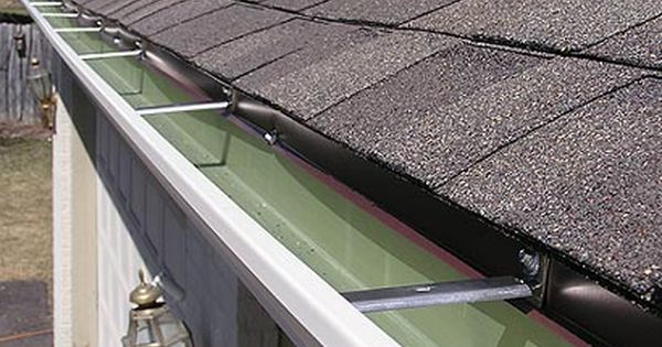 Rain Gutters And Seamless Gutter Systems In Minneapolis St Paul Mn Seamless Gutters Rain Gutters How To Install Gutters
