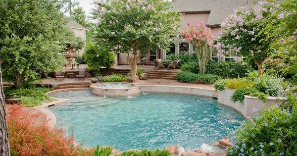 Garten gestalten mit pool  Garten gestalten - Pool und Bäume rund herum | Gartengestaltung ...