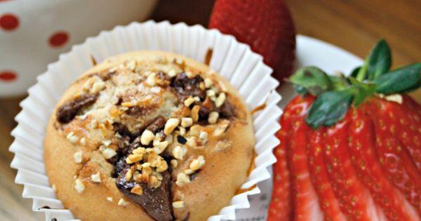 Muffin con fragole, Nutella e granella di nocciole.  Mondo nutella ...