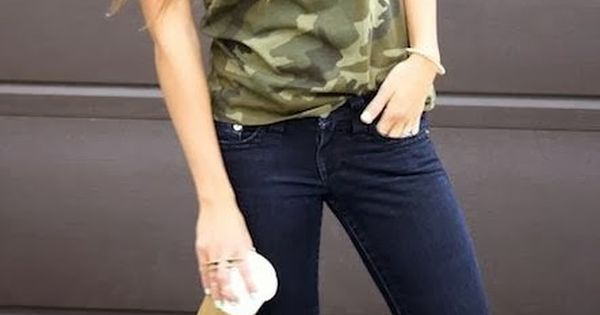 Seriously how cute and casual is this camo t-shirt, jeans and sneakers