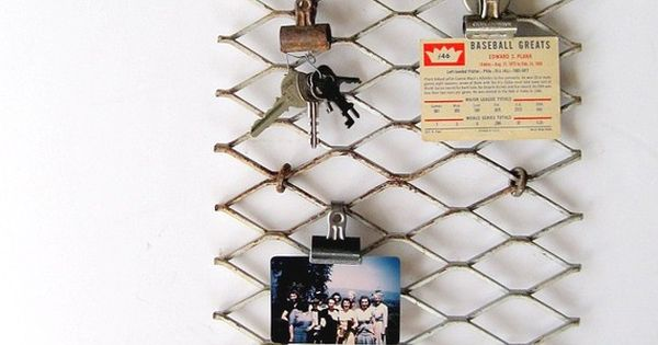 Chicken Wire Crafts: Creative idea for pin board! DIY