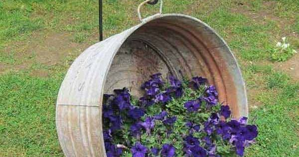 Old Wash Tub Hanging Basket I purchased an old wash tub at