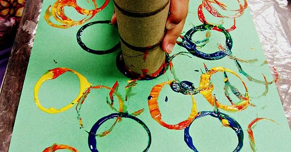 toddler circle painting - a great way to introduce toddlers to art