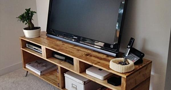 meuble tv diy pour le salon palette pinterest. Black Bedroom Furniture Sets. Home Design Ideas