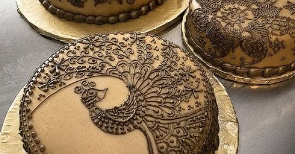 Decorating cakes like Henna tattoos. I never would have thought of that!