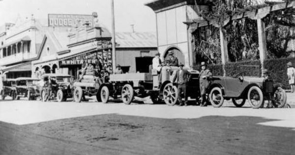 Motor Vehicles In Front Of Whitaker S Motor Works And The Wintergarden Theatre In Kent Street Maryborough Ca 1926 Show Motor Works Kent Street Maryborough