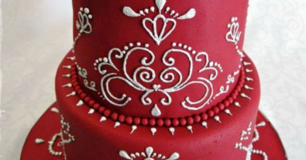I love the white on red!! Cake Decorating: I Learned from Craftsy's
