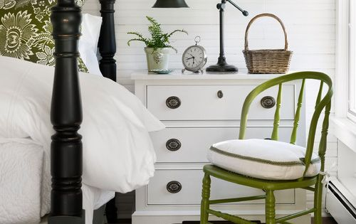 Guest room ideas. Really love the little green chair!