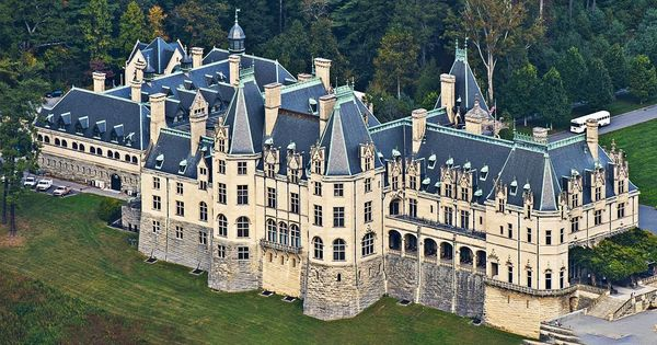 10 Biggest Houses In The World Biltmore House Mansions Big Mansions