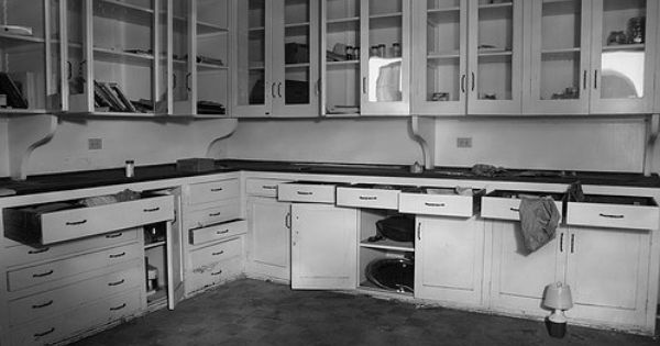 Abandoned kitchen by jonathan haeber pretty pinterest abandoned kitchens and style - The beauty of an abandoned house the art behind the crisis ...