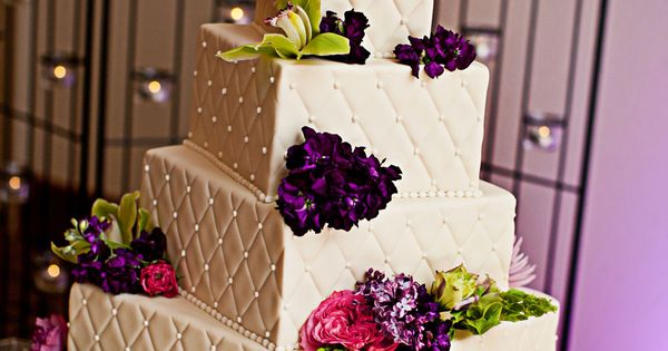 square wedding cakes with fresh flowers 4 tier square wedding cake with quilting and fresh 20421