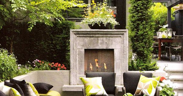 #outdoor living space with fireplace. patio backyard