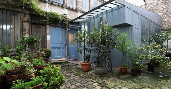 Paris loft sous verri re sur cour fleurie jardin terrasse cour pinterest verri re cour - Terrasse et jardin fleuri paris ...