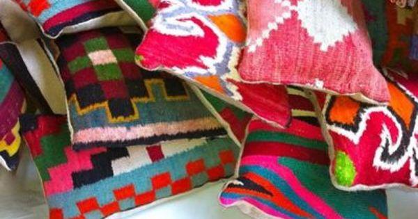 coussins 100 laine en kilim vintage rock the kasbah de diverses tailles d couvrir sur www. Black Bedroom Furniture Sets. Home Design Ideas