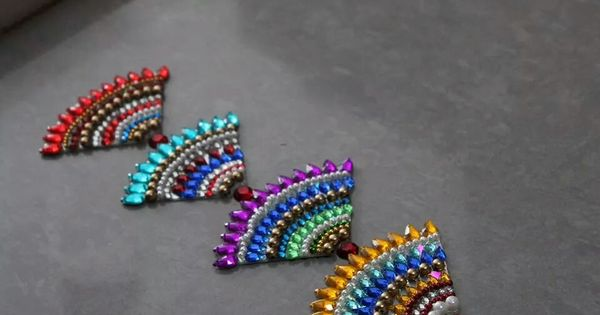 Recycled 1 4 cd kundhan work craft ideas pinterest for Diwali decoration material