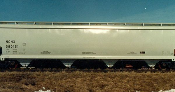 Pressure Differential Covered Hopper Car