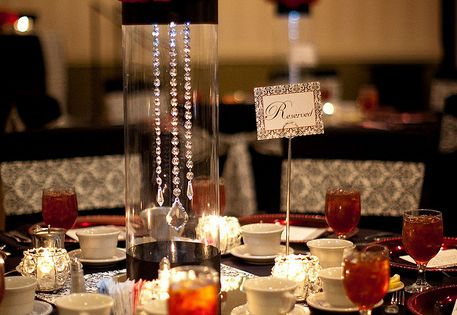 Decorations, Red Rose Centerpieces For Weddings: Red Centerpieces for Weddings, but for