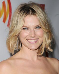 14 Wunderbare Frisuren Fur Herzformige Gesichter Elegante Frisuren Haarfrisuren Und Frisuren Schmales Gesicht