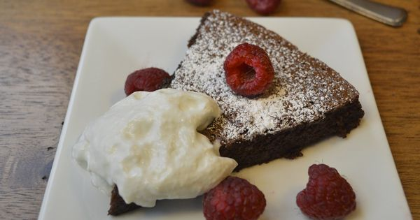 Flourless Chocolate Mousse Cake glutenfree