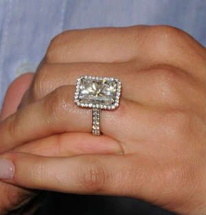 9 Carat Diamond Price Celebrity Engagement Rings Engagement Ring Selfie Luxury Diamond Rings