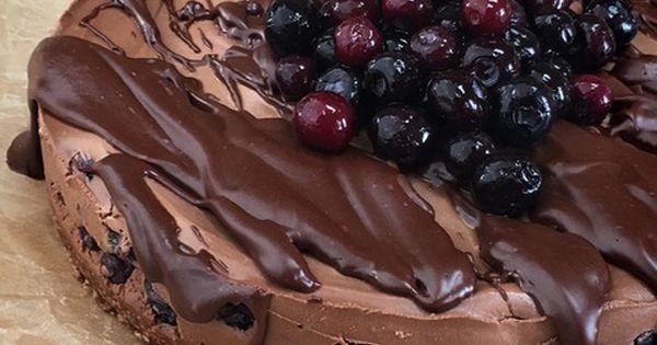 ... chocolate and white chocolate mousse deep dark chocolate cheesecake