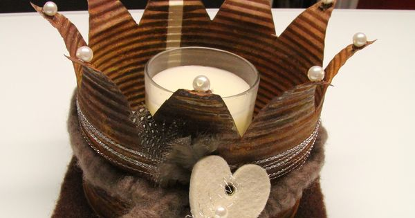 handgefertigte dekokrone deko kronen pinterest kronen blechdosen. Black Bedroom Furniture Sets. Home Design Ideas