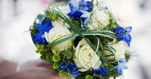 ausgefallener brautstrauss blaue rosen brautstrau pinterest. Black Bedroom Furniture Sets. Home Design Ideas