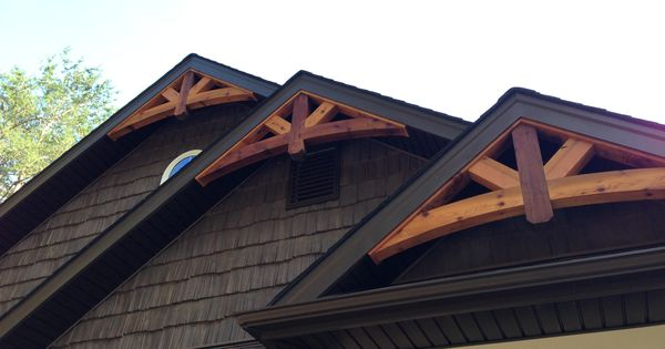 Cedar gable bracket details are truly craftsman style at for Cedar gable brackets