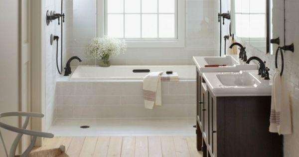 Wohnideen badezimmer wei landhausstil holzfu boden for Badezimmer sachen