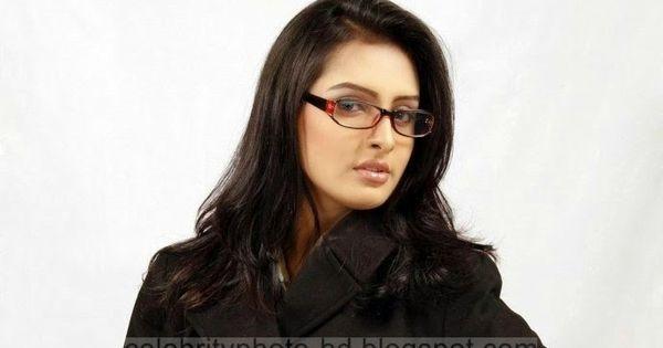 Bangladeshi Actress Nijhum Rubina S Hot Hd Photos With Short