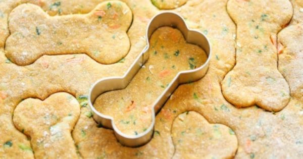 Spinach Carrot And Zucchini Dog Treats Recipe Dog Biscuit