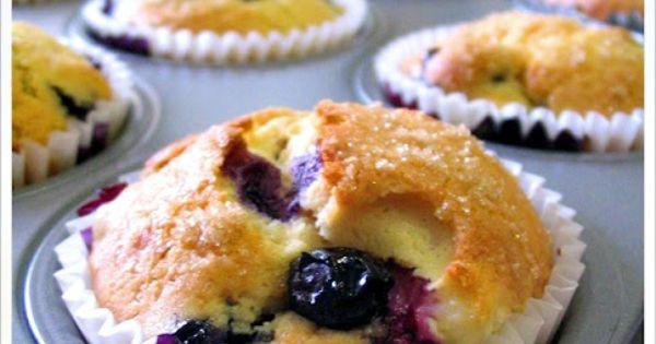 Blueberry Muffin w/ Cream Cheese Filling | Lecker // BeerenStarke ...