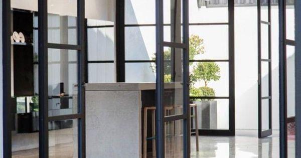 La porte coulissante en verre gain d 39 espace et for Porte coulissante salon tunisie