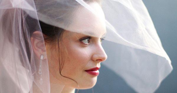 Pale pink blusher veil.