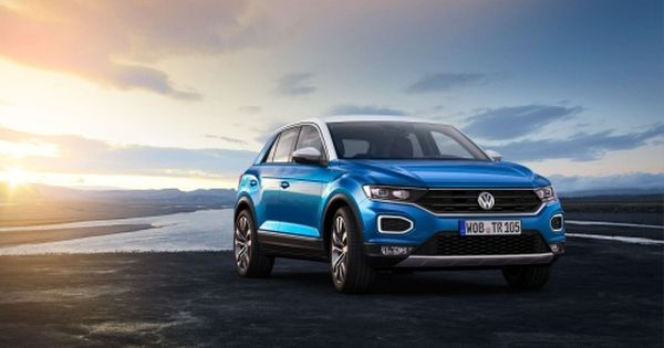 New Vw T Roc Squeezes Into The Cuv Segment Official Info And Specs Volkswagen New Cars Cars Uk