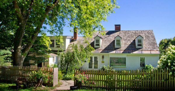 My Houzz An Antique Cape Cod House Explodes With Color Farmhouse Exterior Traditional Exterior Exterior