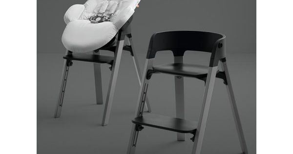 Bu09 Chaise Steps Assise Noire Pieds En Bois De Chene Noir