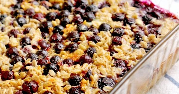 Blueberry Lemon Baked Oatmeal ~ I left the lemon zest out, only