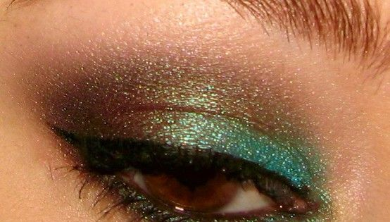 Smoky/Sexy eyeshadow look - this color combo is perfect for green, hazel