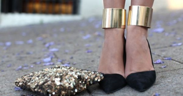 How to Style Your Statement Cuff. Street Style with Double Gold Ankle
