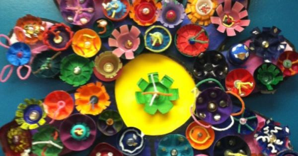 Recycled flowers egg cartons cap and bottle for How to make bottle cap flowers
